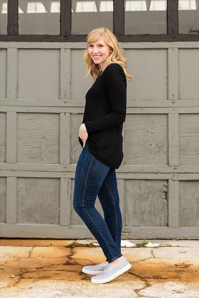 black-shirt-blue-shoes-04-sm