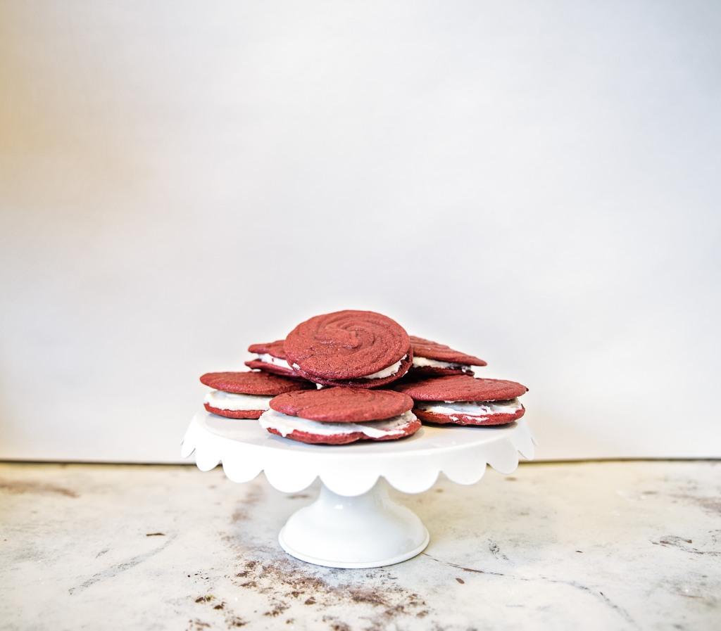 red-velvet-rose-cookies-10